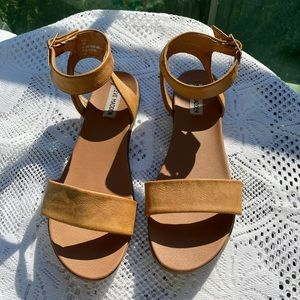 Steve Madden faux leather ankle strap sandals 39